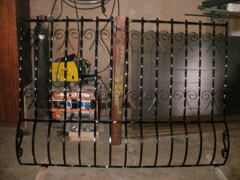 металлические двери решетки изделия из металла
